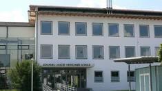 Der frisch sanierte Südflügels der Realschule Füssen