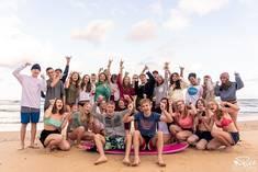Die Teilnehmer*innen des Surfcamps in Frankreich